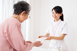 看護師の仕事内容を具体的に紹介!大変さややりがいも解説